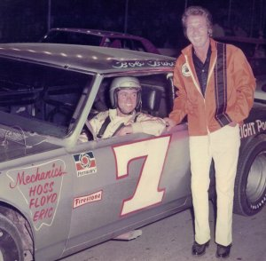 Robbins poses with Georgia Racing Hall of Fame member Bob Burcham before a race at Nashville. Photo courtesy Bob Burcham