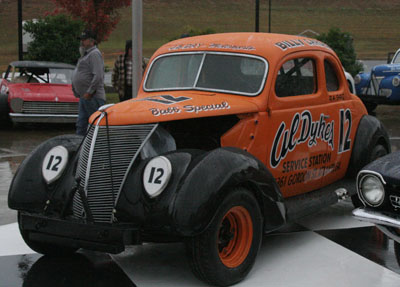 BillyCarden – J.B. Day's newest addition to his collection is this beautiful replica of Billy Carden's Babb Special, owned by Al Dykes.  It was on display in victory lane outside the Hall of Fame during the induction ceremony.